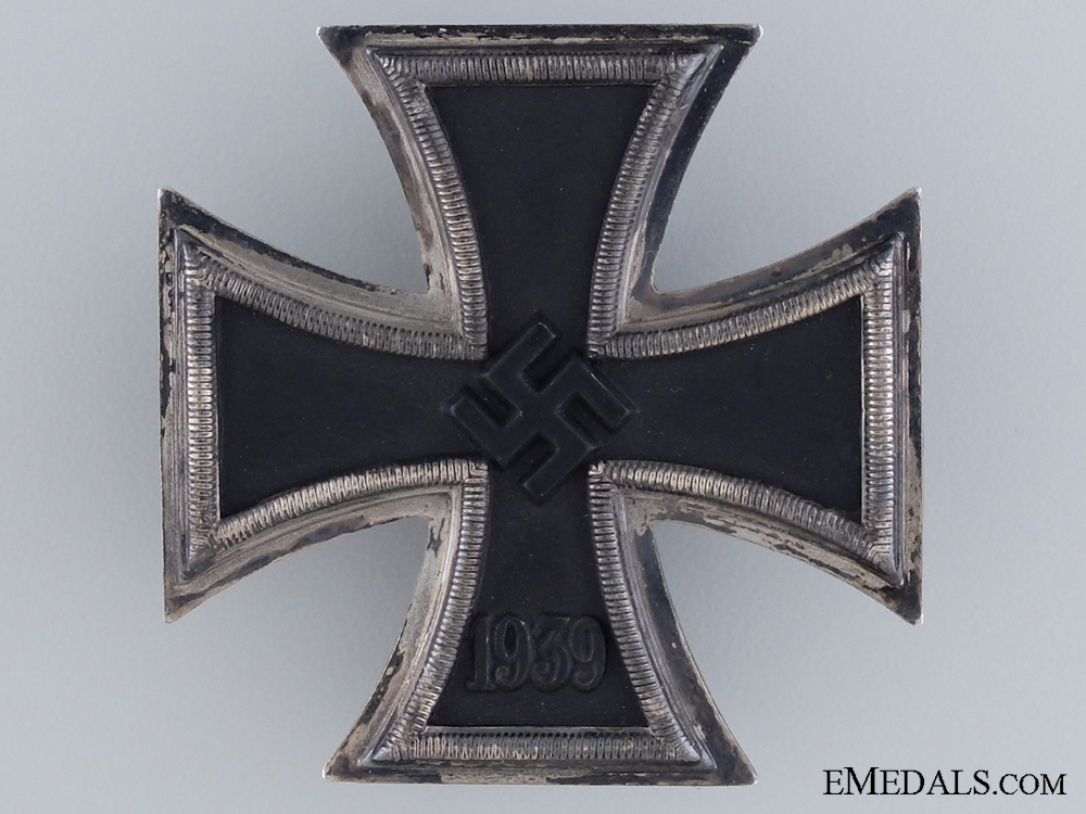 1939 First Class Iron Cross by Zimmermann in Case