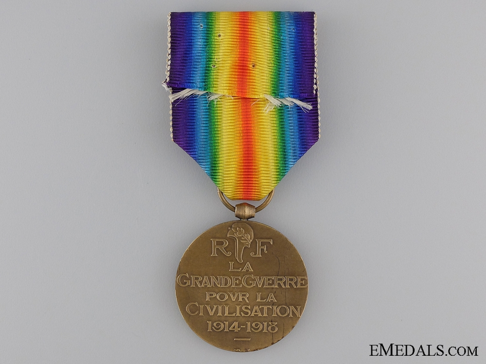 A First War French Victory Medal; Official Issue