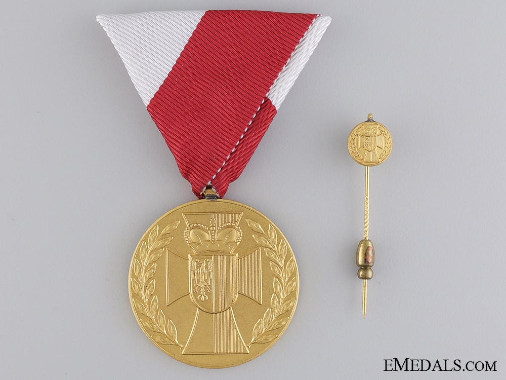 Services to the State of Upper Austria Honour Medal