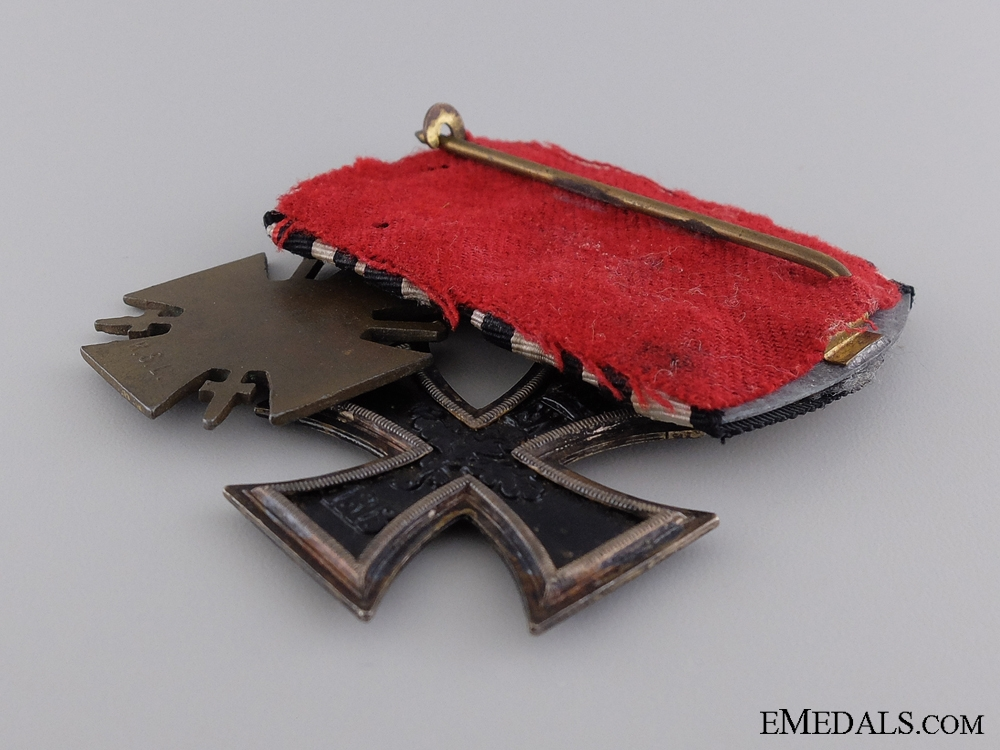 A Pair of First War German Awards