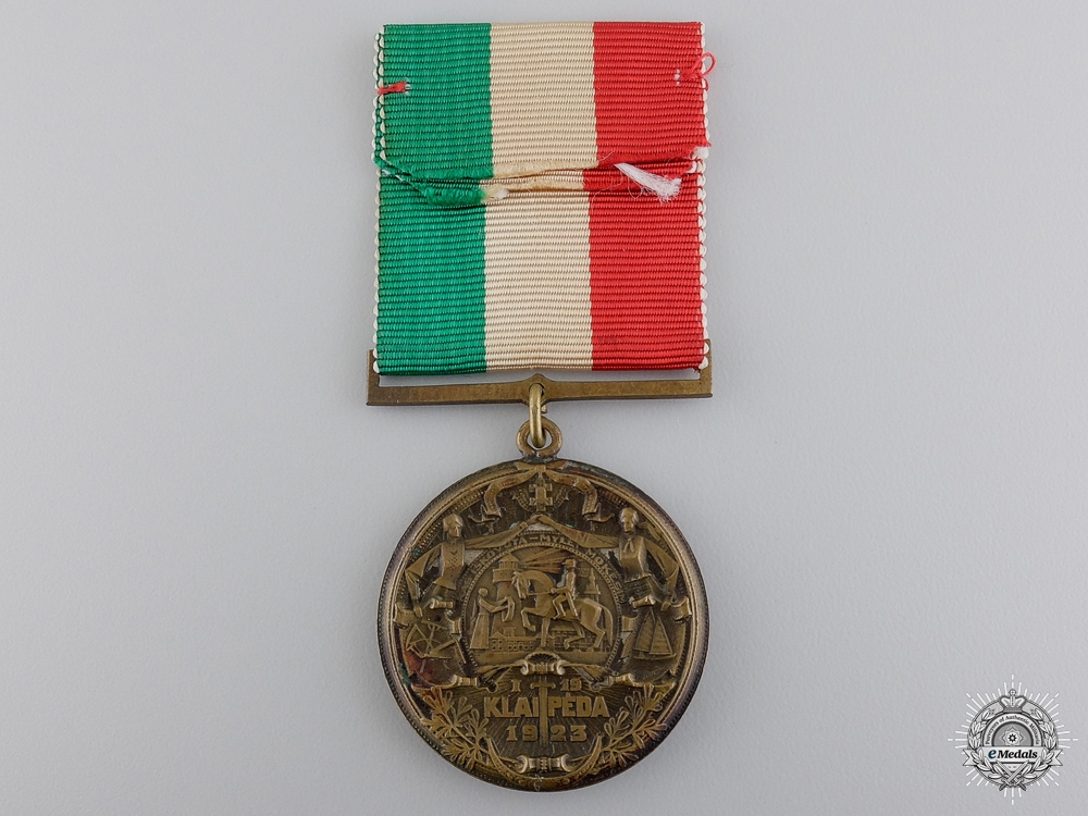 A 1925 Latvian Shuliu Commemorative Medal
