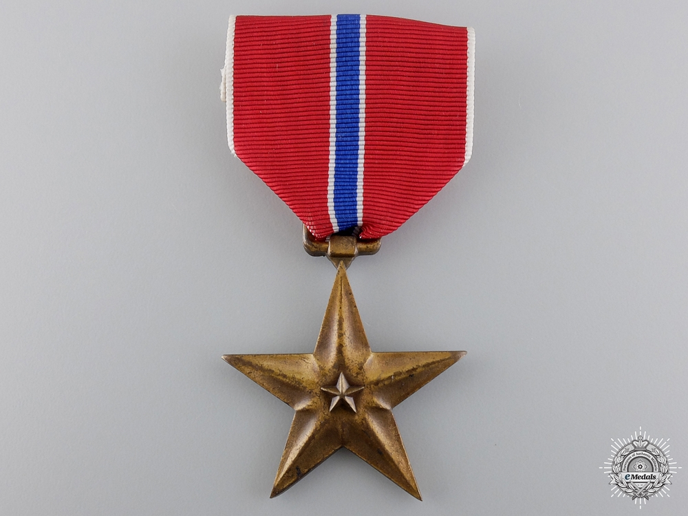 An American Second War Bronze Star with Case