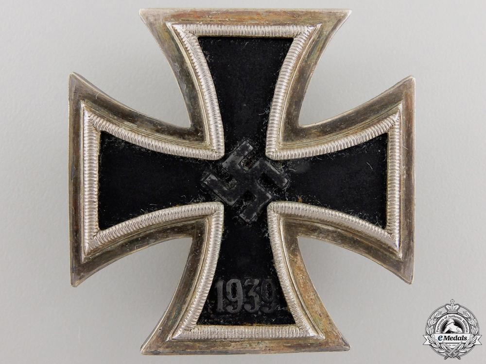 An Iron Cross First Class 1939 by Juncker with Case