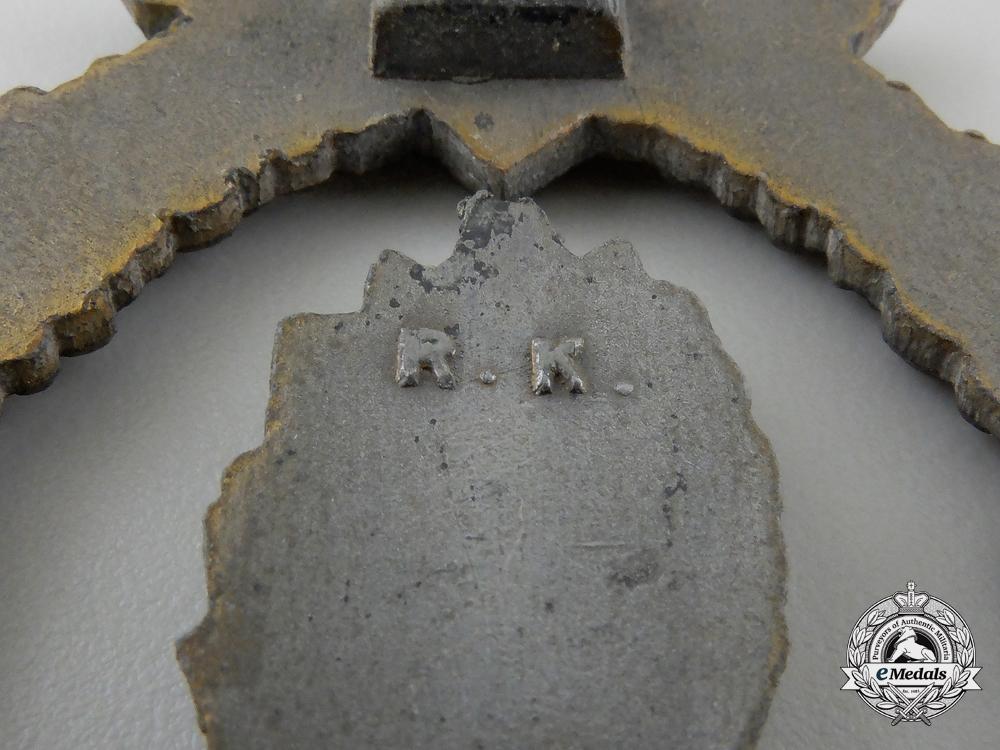 A Kriegsmarine Minesweeper War Badge by Rudolf Karneth & Söhne