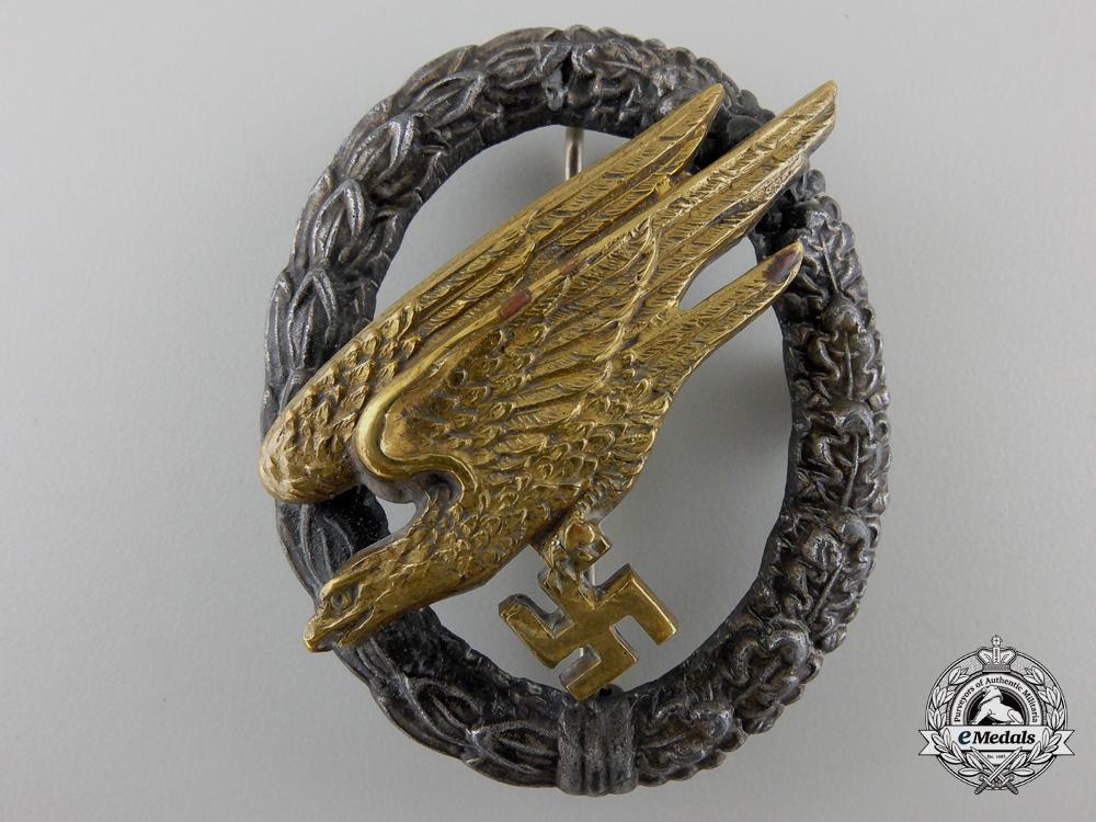 A Luftwaffe Fallschirmjäger Badge by Juncker with Case