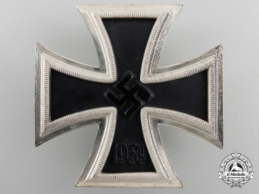 An First Class Iron Cross 1939 by B.H. Mayer with Case & Carton