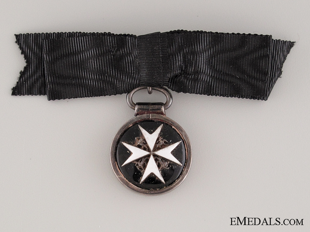 Order of St. John, Serving Sister Breast Badge, Miniature