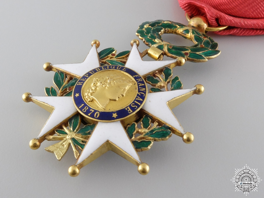 A 1870-1951 French Legion D'Honneur in Gold; Type III