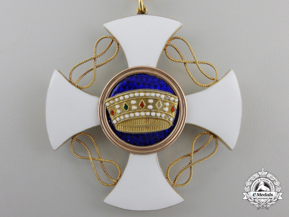 An Order of the Crown of Italy in Gold; Commander with Case
