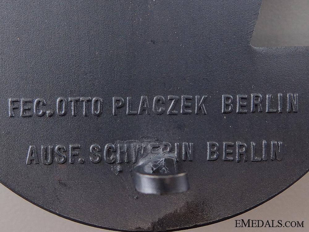A Cased Set of Blockade Runner Badges by Schwerin