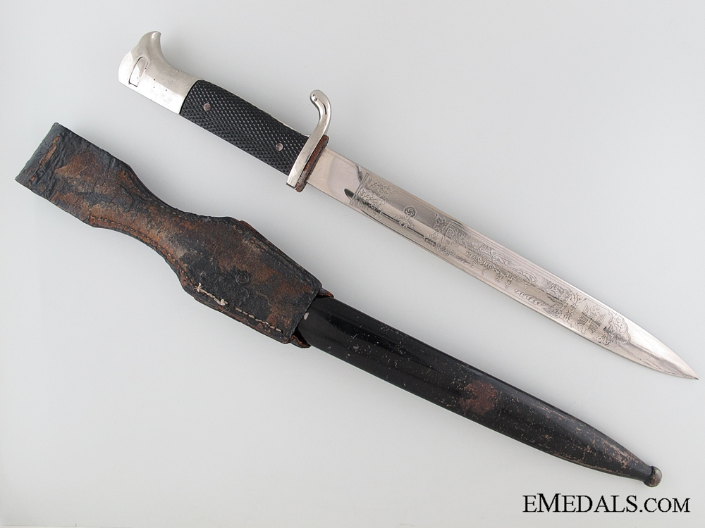 Long Model Etched Commemorative Bayonet