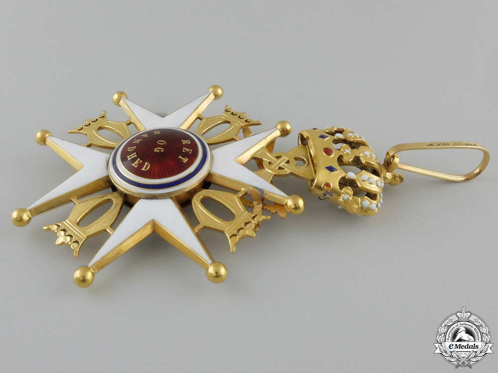 A Royal Norwegian Order of St. Olav Type II in Gold by J.Tostrup