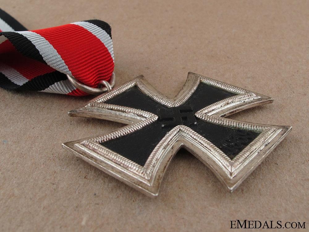 Iron Cross Second Class 1939 - Marked 67