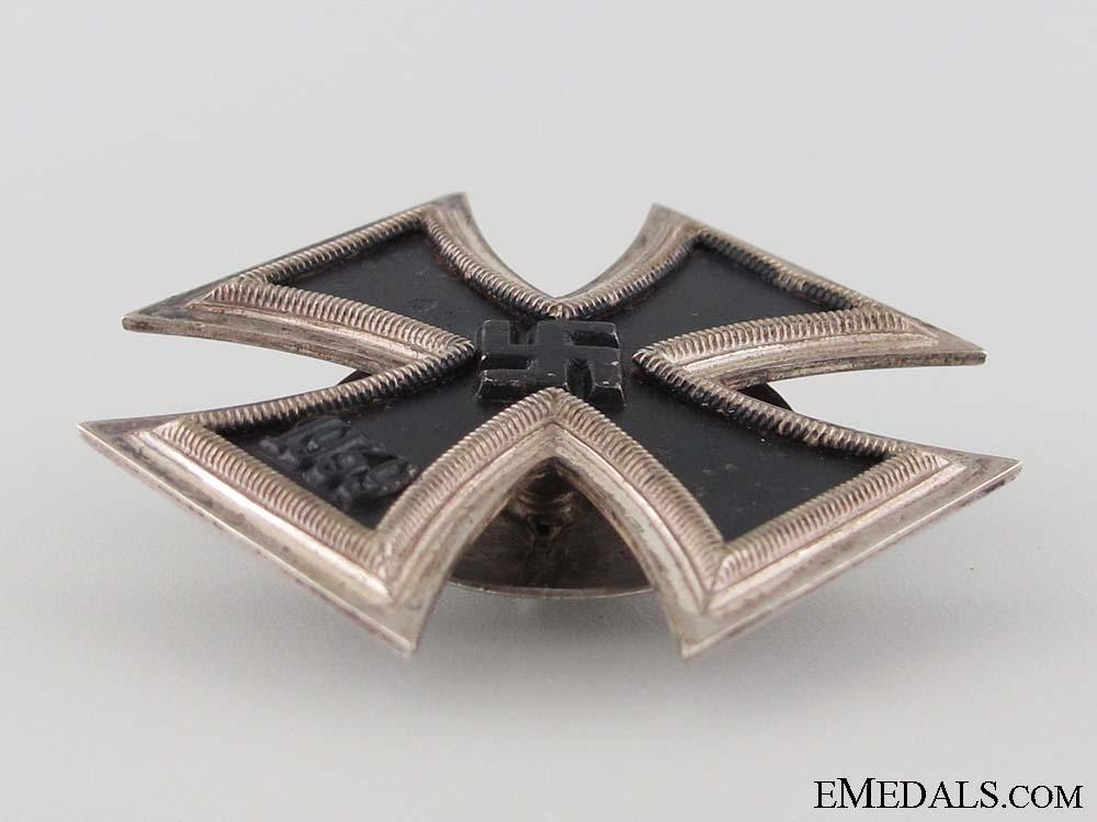 Iron Cross 1st Class 1939 by Schauerte & Hhfeld