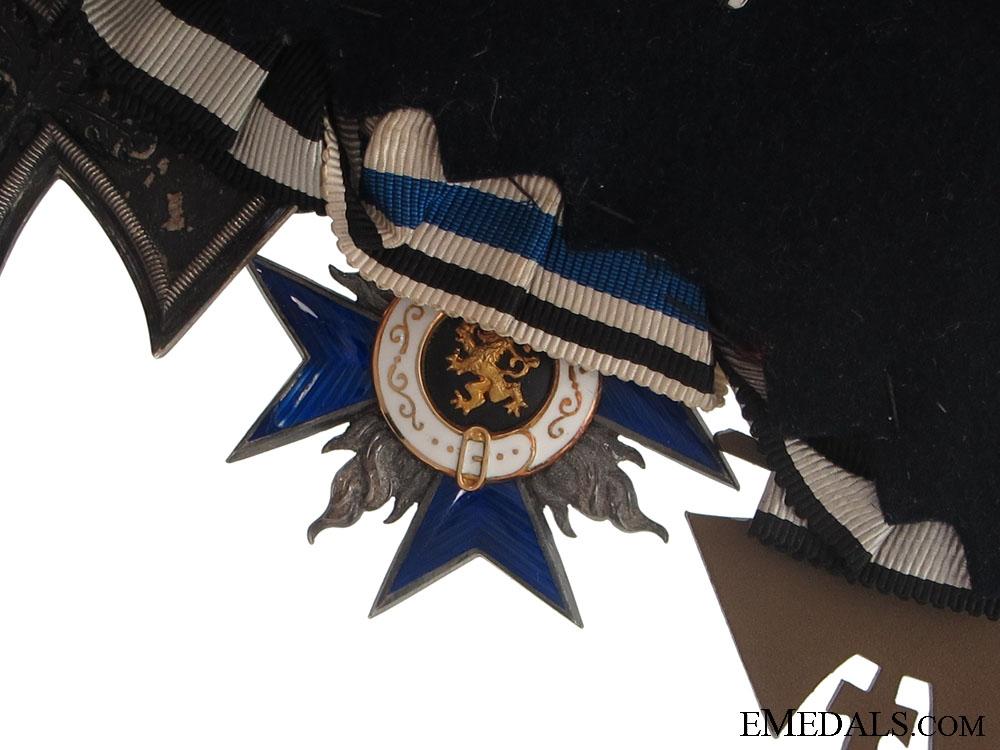 A Frack-Medalbar with 3 Awards