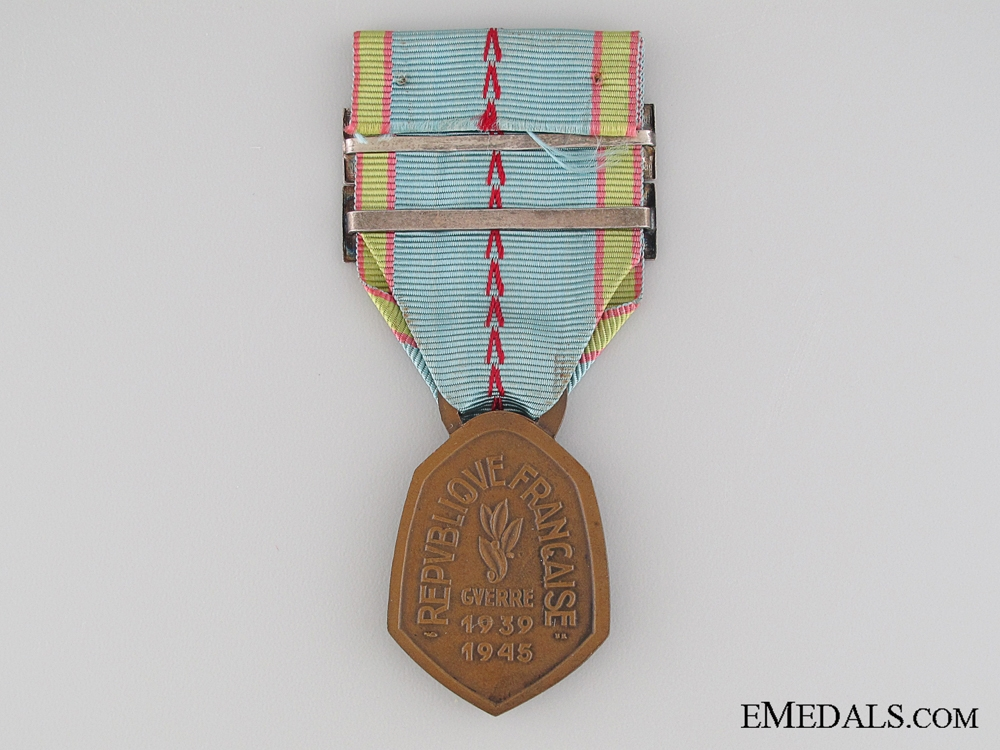 WWII War Commemorative Medal 1939-1945