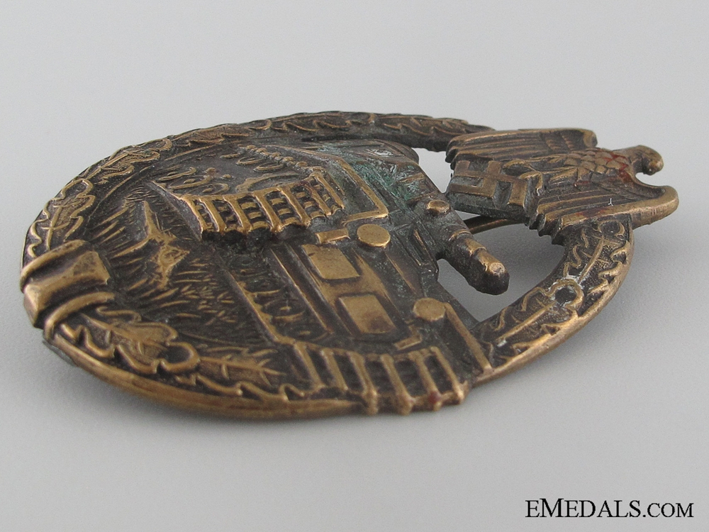 An Early War Bronze Grade Tank Badge by Karl Wurster