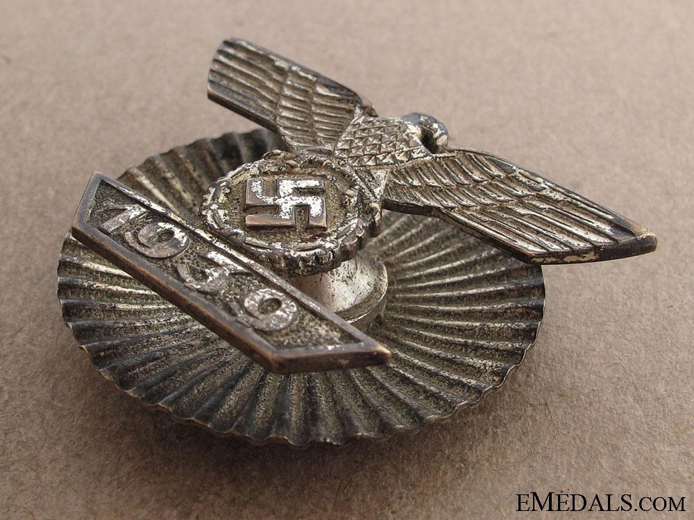 A Rare Clasp to the Iron Cross 1939 Screwback