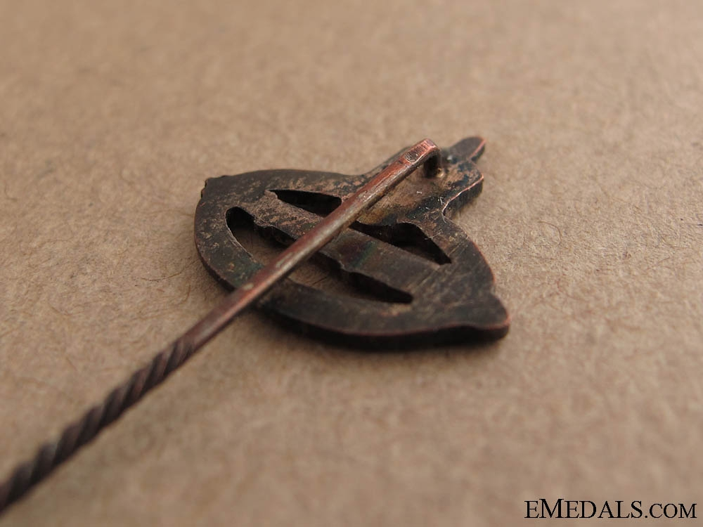 A Miniature Zeppelin Stickpin