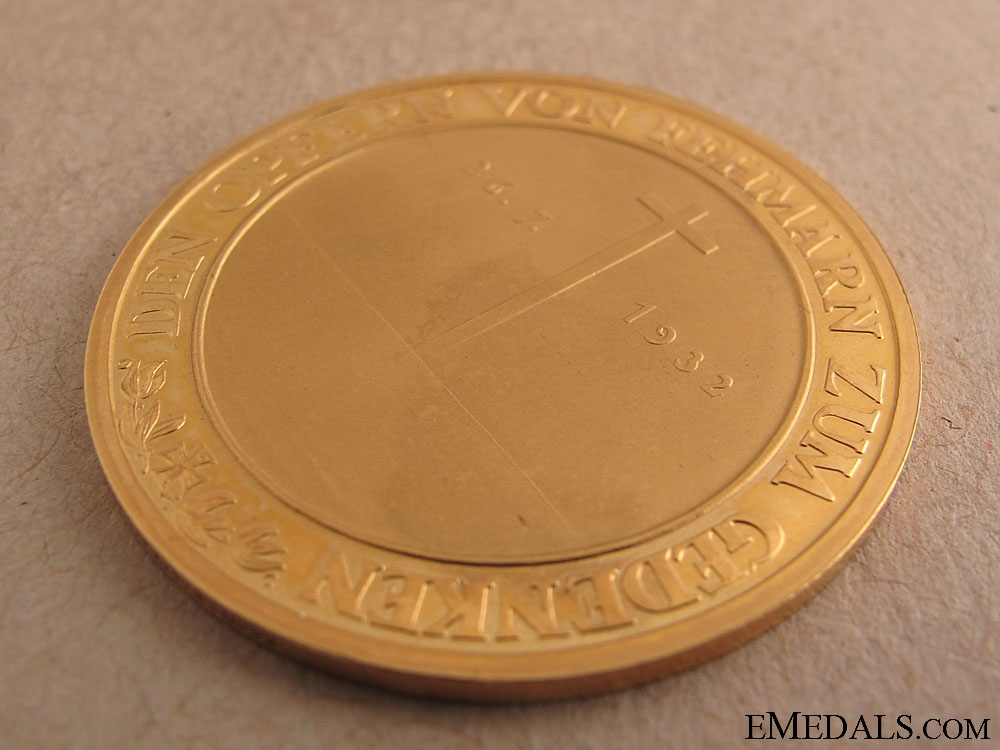 Large Gold Niobe Medal - Cased