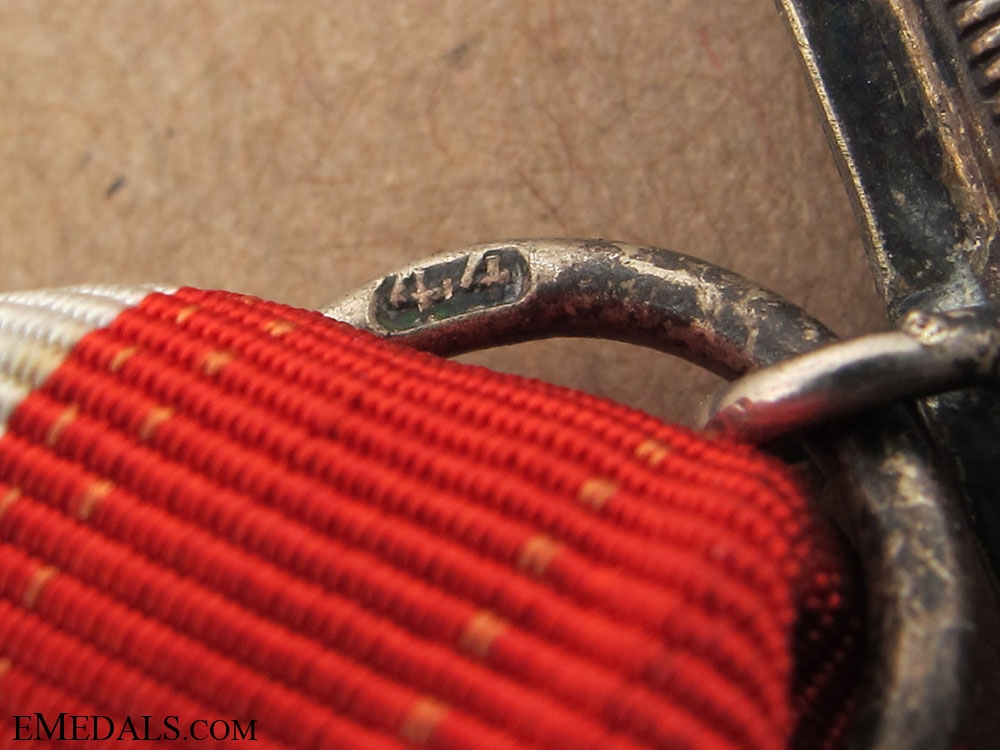 Iron Cross 2nd. Class 1939 - maker # 44