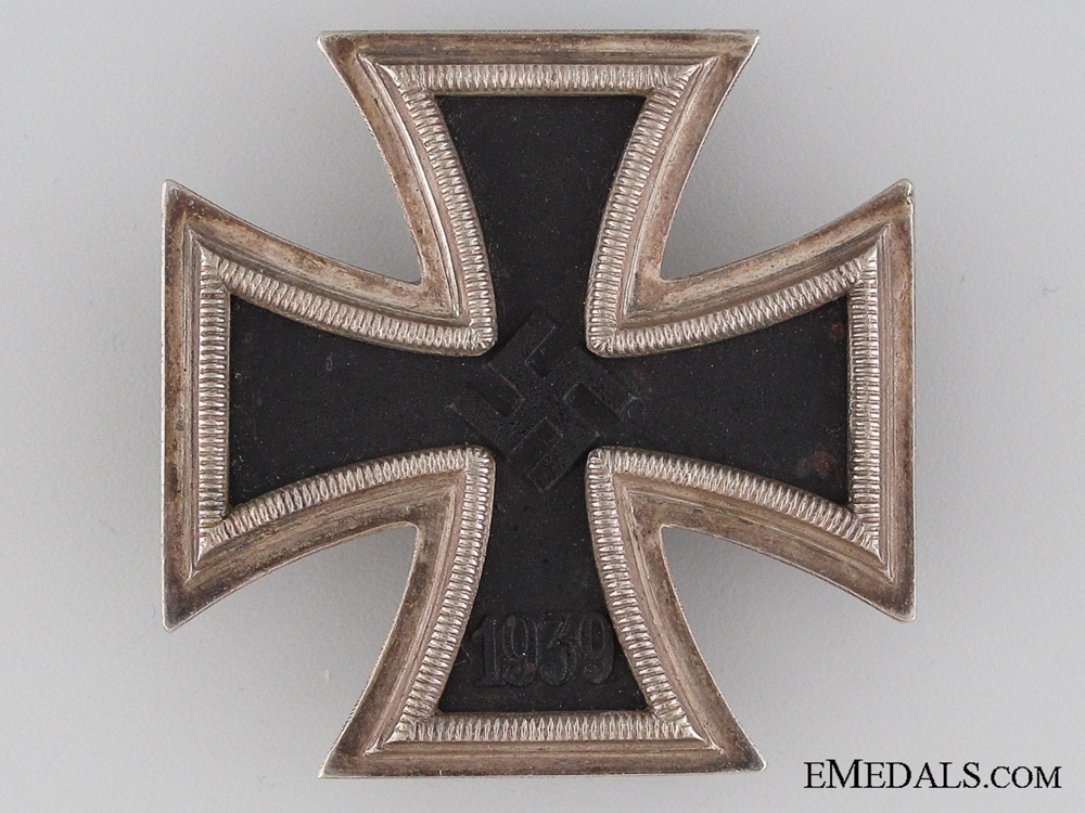 Iron Cross First Class 1939 BY Deschler