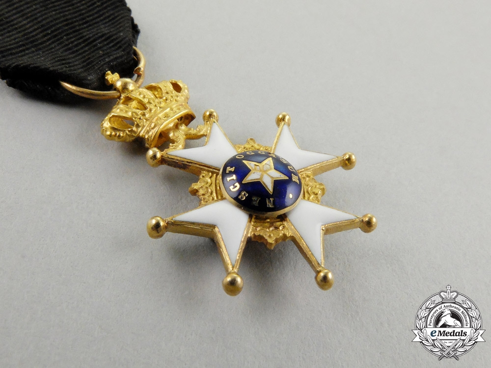 A Miniature Swedish Order of the North Star in Gold