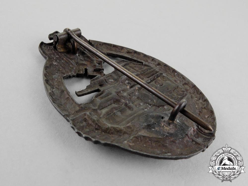 An Early Second War German Bronze Grade Tank Badge