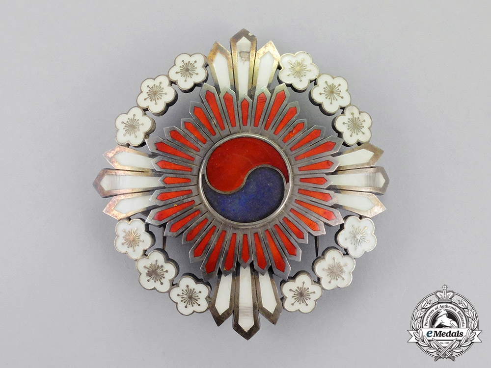 Korea, Republic. An Order of the Plum Blossoms, Grand Cordon's Star, c.1910