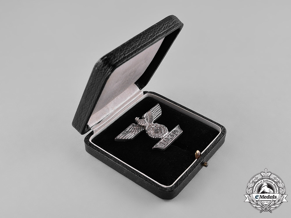 Germany, Wehrmacht. A Cased Clasp to the I. Class Iron Cross 1939, First Type, by the Unknown Maker I
