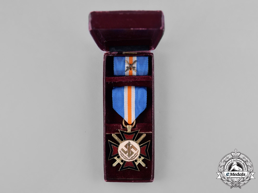 Netherlands, NSB. A NSB Mussert Bravery Cross, with Case