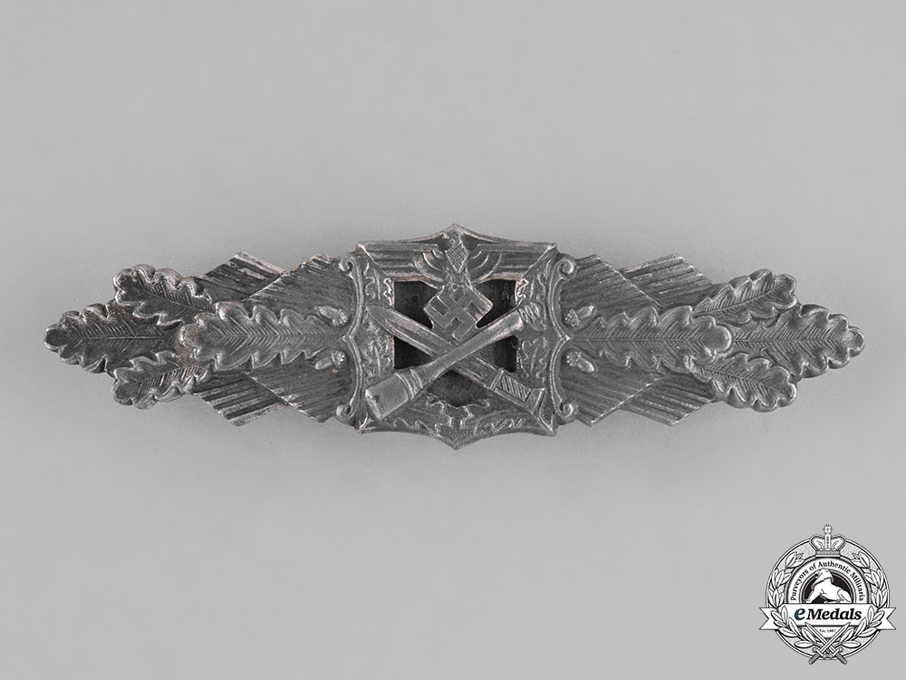Germany, Wehrmacht. A Rare Close Combat Clasp, Silver Grade, by Hymmen & Co.