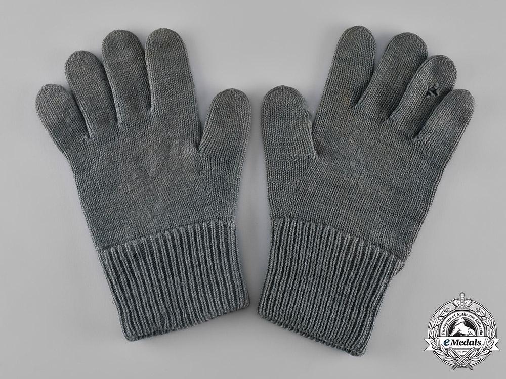 Germany, Wehrmacht. A Pair of Second War Period Wehrmacht Winter Gloves