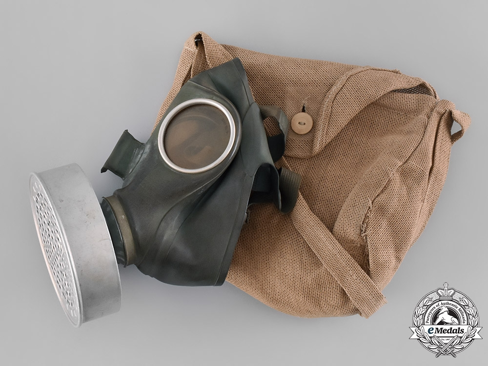 Germany, Third Reich. A Civilian Gas Mask with Bag