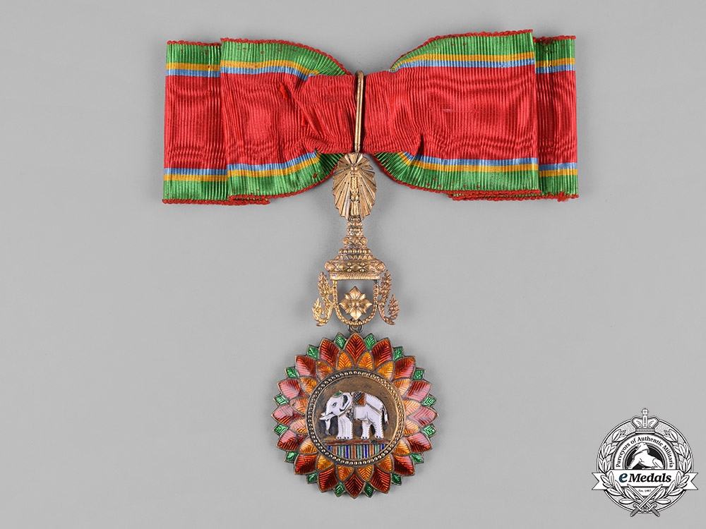 1992 THAILAND MEDAL COMMANDER MOST EXALTED ORDER OF WHITE ELEPHANT CLASS 3 LADY