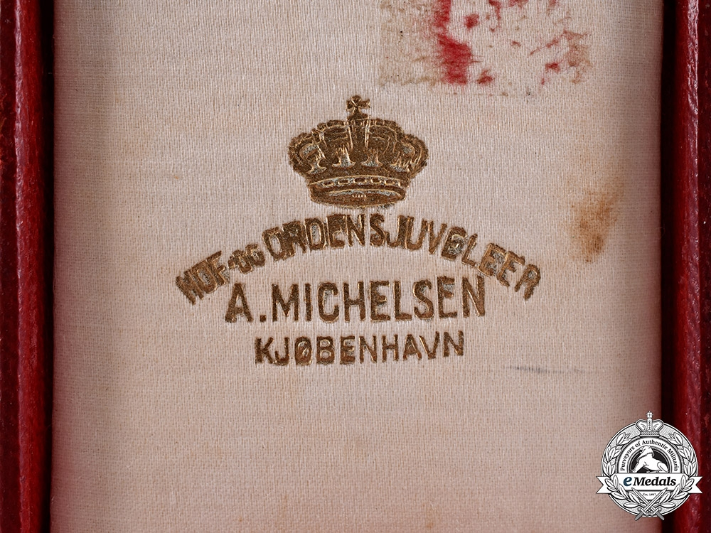 Denmark, Kingdom. A Red Cross Decoration of Honour Case, c.1920