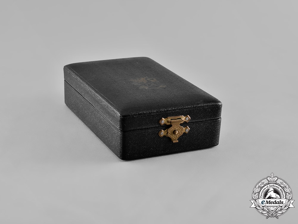 Finland, Republic. An Order of the Lion of Finland, I Class Commander Case, c.1945