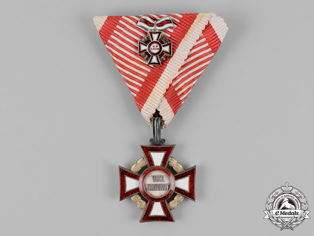 Austria, Empire. A Military Merit Cross, Third Class with Small Decoration, c.1917