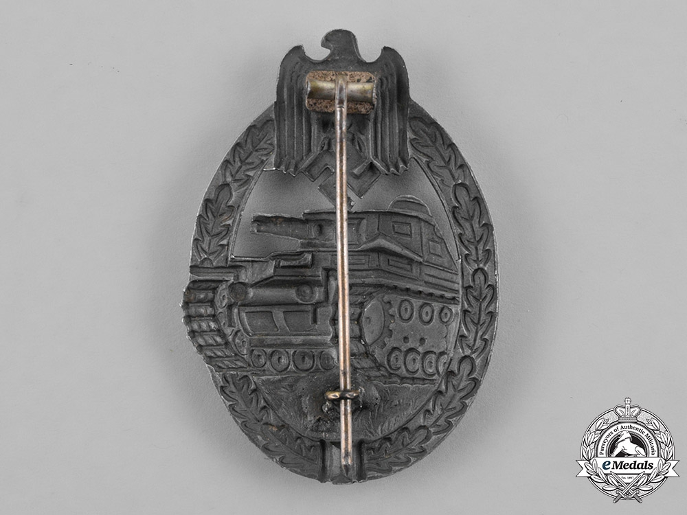 Germany, Wehrmacht. A Silver Grade Tank Badge, Seven-Wheel Variant