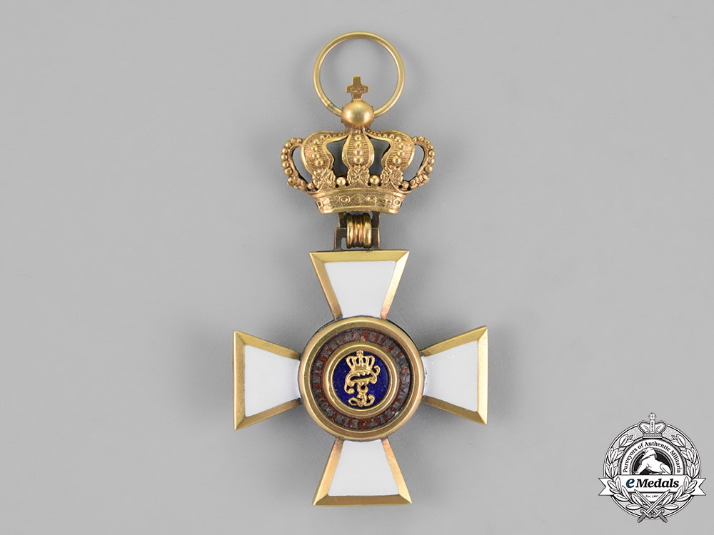 Oldenburg. A House and Merit Order of Duke Peter Friedrich Ludwig, Knight 1st. Class, in Gold