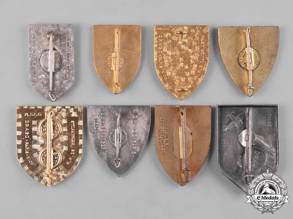 France, Republic. A Lot of Sixteen Regimental Insignia Badges