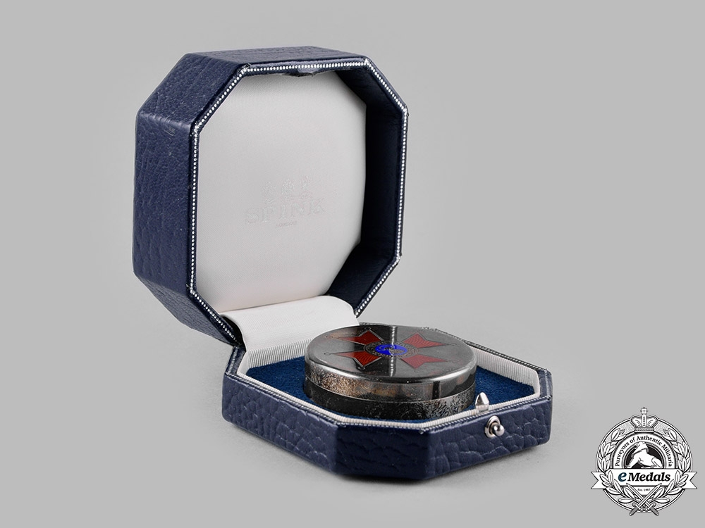 Vatican. A Pontifical Equestrian Order of St. Gregory the Great Snuff Box, 1973