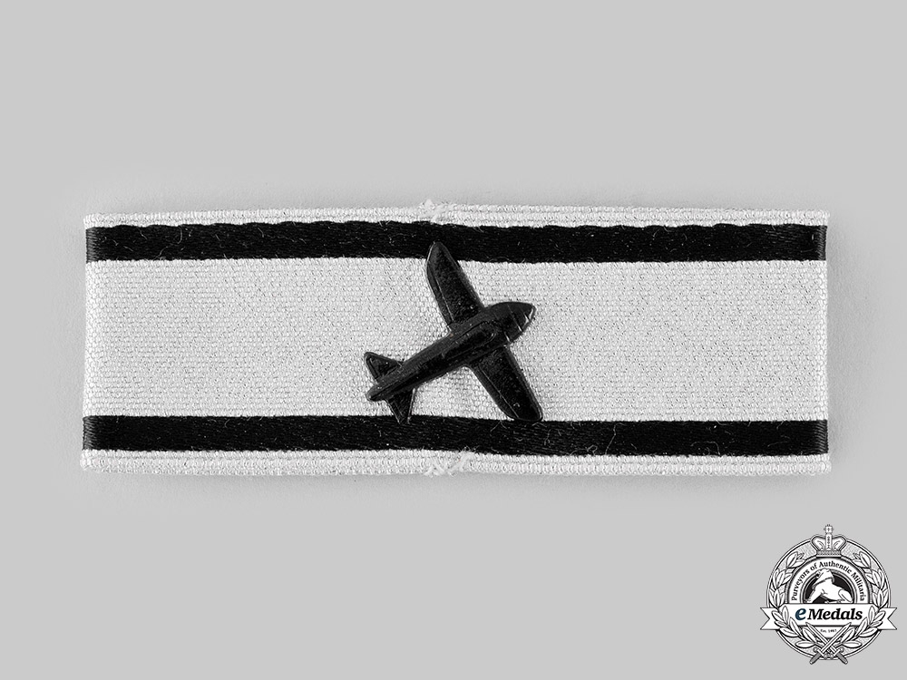 Germany, Federal Republic. An Aircraft Destruction Badge, Silver Grade, 1957 Version
