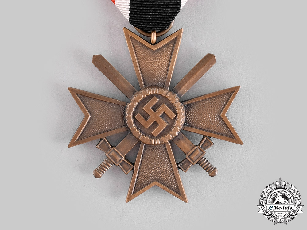 Germany, Wehrmacht. A War Merit Cross, II Class with Swords, with Package of Issue by Ferdinand Hoffstätter
