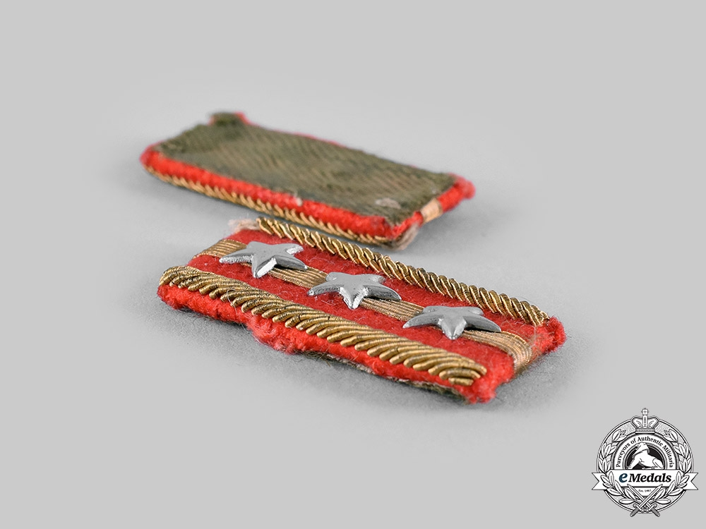 Japan, Empire. An Army Type 98 Captain's Collar Tab Pair in Their Box of Issue