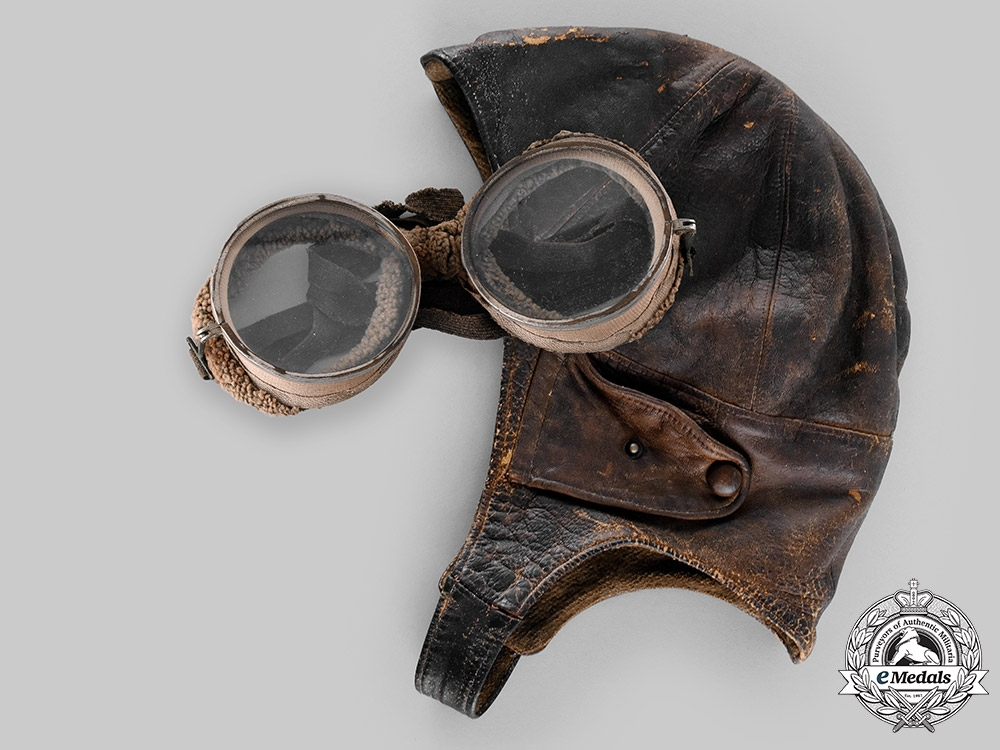 United States. An Army Air Service Flying Helmet & Goggles, by A.G. Spalding & Bros