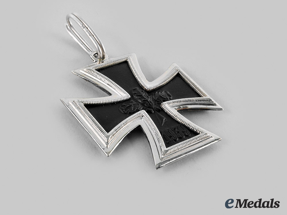 Germany, Wehrmacht. A 1939 Iron Cross II Class, 1957 Issue with Case
