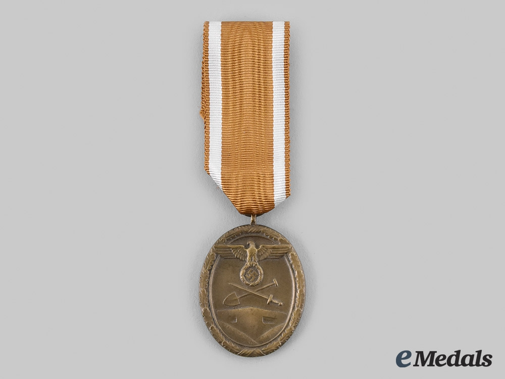 Germany, Third Reich. A West Wall Medal.