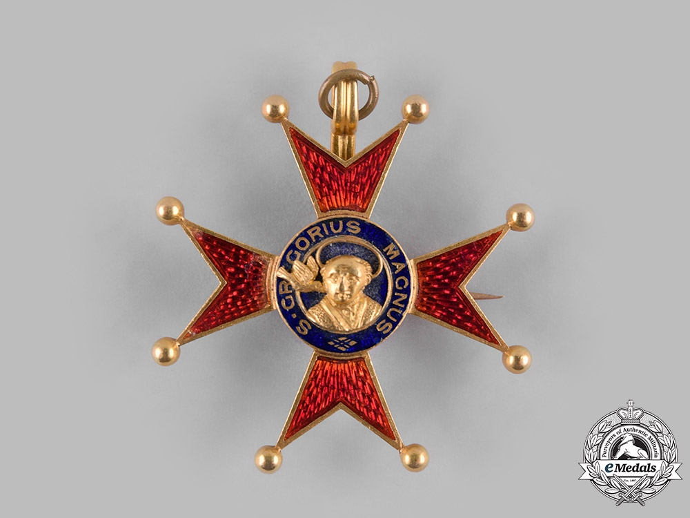 Vatican. A Pontifical Equestrian Order of St. Gregory the Great, Gold Lapel Badge