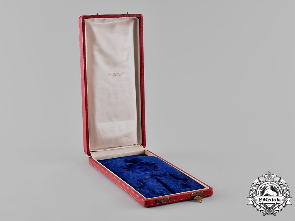 Czechoslovakia, Republic. An Order of the White Lion, II Class Grand Officer with Swords Case